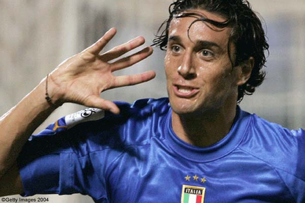 Toni rinnova con il Verona fino al 2016