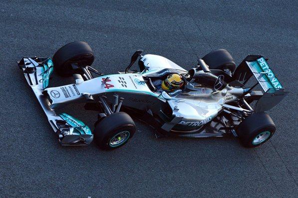 Formula 1, Mercedes: Hamilton e Rosberg, che lotta!