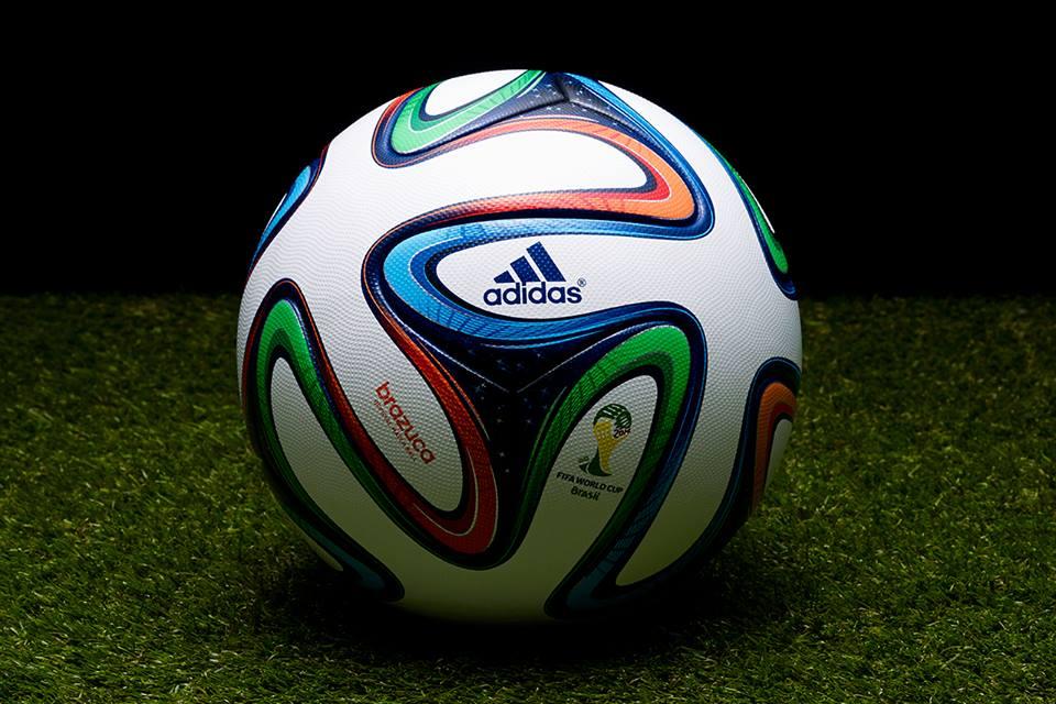 Mondiali 2014: Tossiche le sostanze nei palloni, scarpini e guanti
