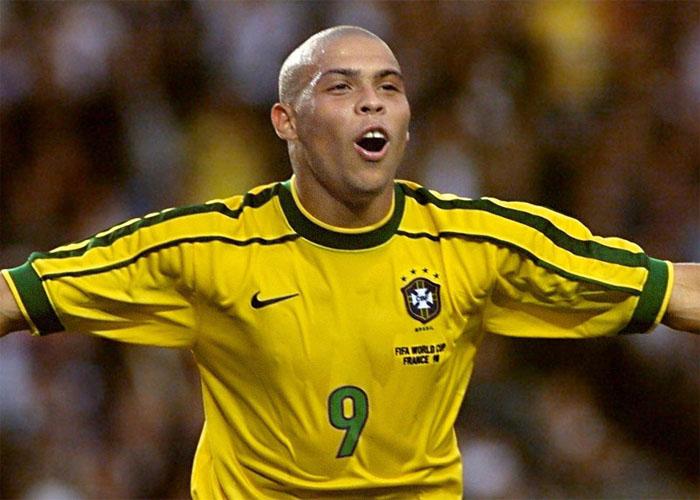 Mondiali 2014: Ronaldo si vergogna dei ritardi in Brasile