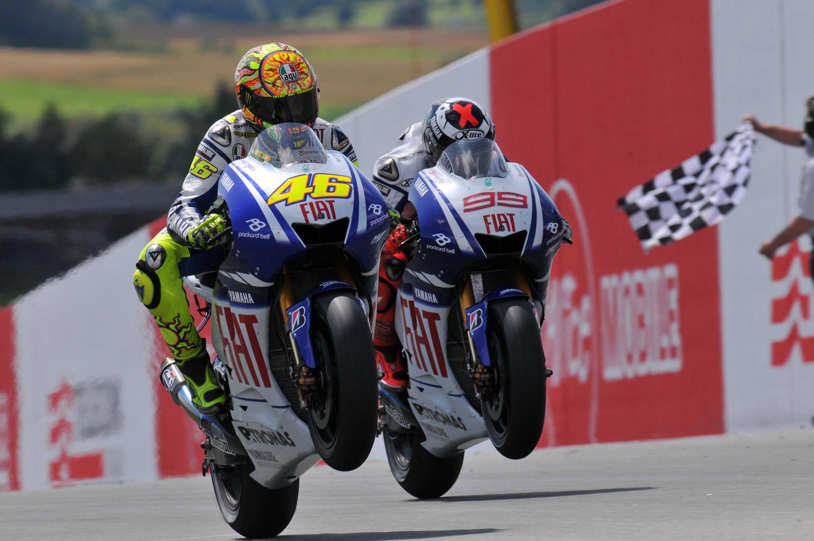 Rossi e Lorenzo modificano le loro moto