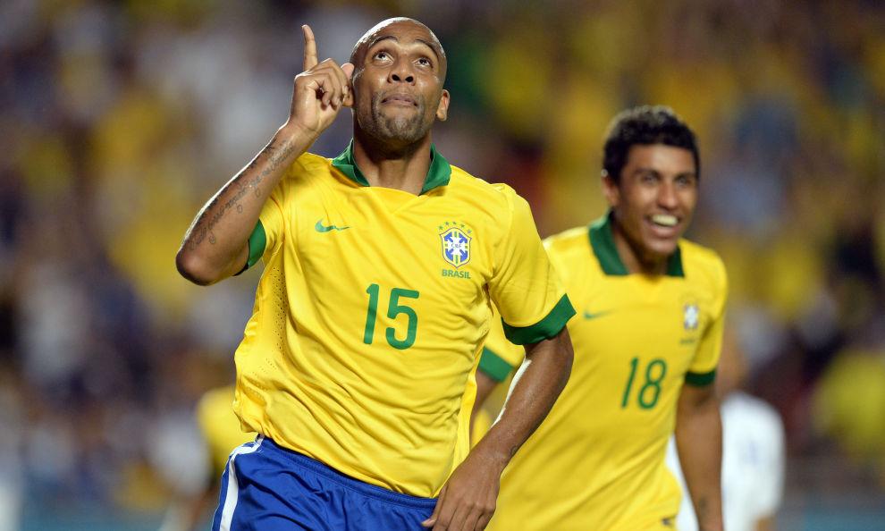 Mondiali 2014: Brasile, Maicon in campo contro il Messico?