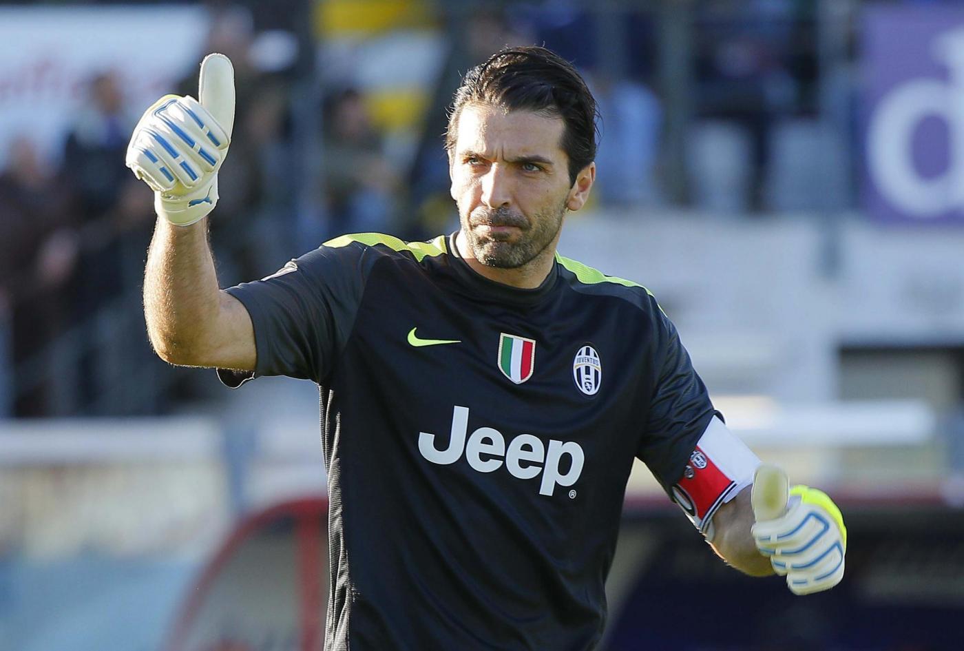 Mondiali, Italia: Buffon si allena, e arriva la famiglia