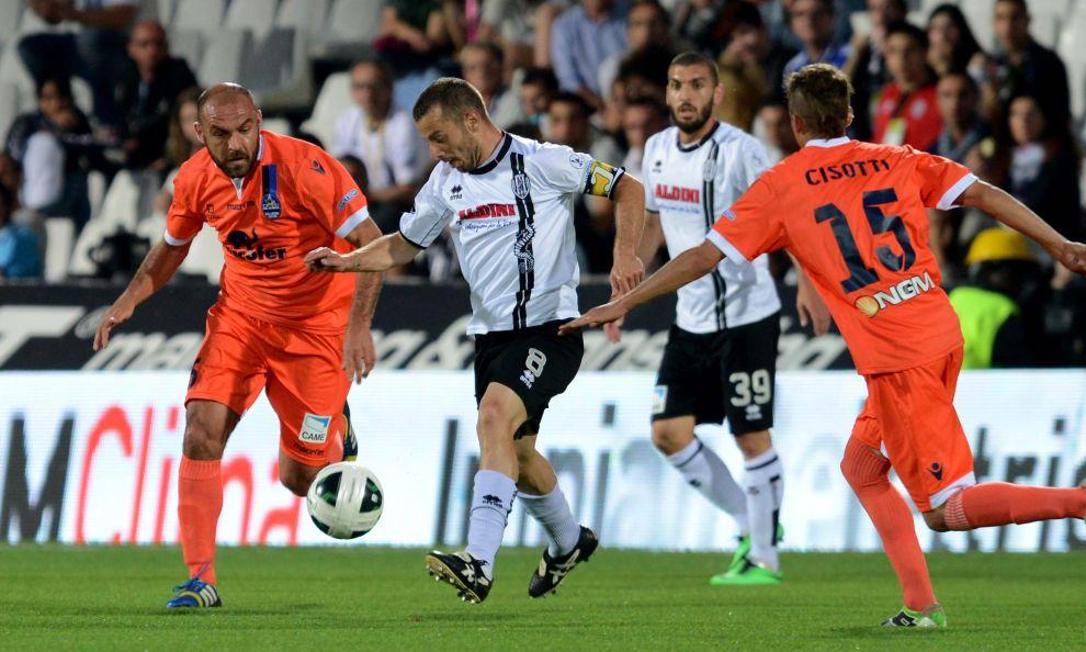Playoff per la Serie A, Cesena-Latina 2-1, sfida aperta