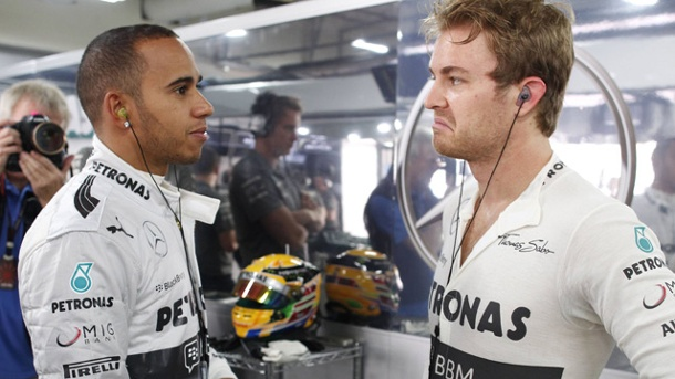 Formula 1, Rosberg ed Hamilton: comandi al volante diversi