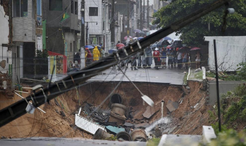 Mondiali, le piogge distruggono Natal: a rischio Italia-Uruguay