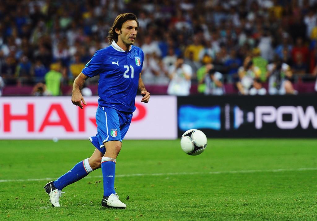 Italia, si salva solo Andrea Pirlo, l'uomo del passaggio perfetto