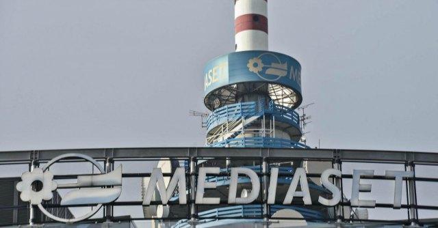 Diritti TV Serie A, assegnazione rinviata ancora, Sky e Mediaset per un accordo