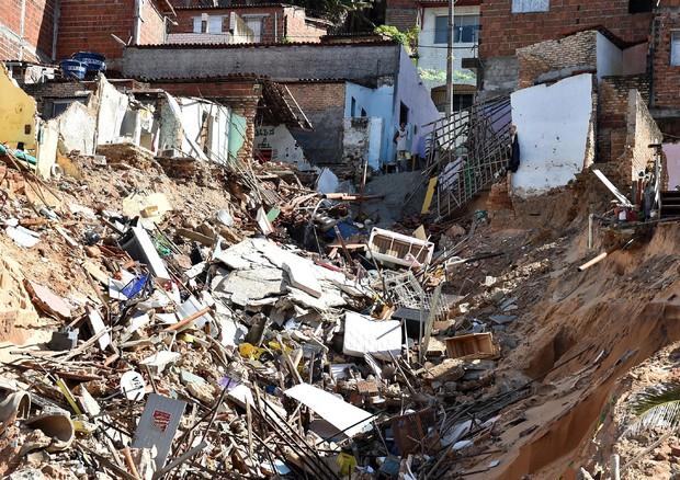 Italia-Uruguay: voragine vicino stadio, paure e timori