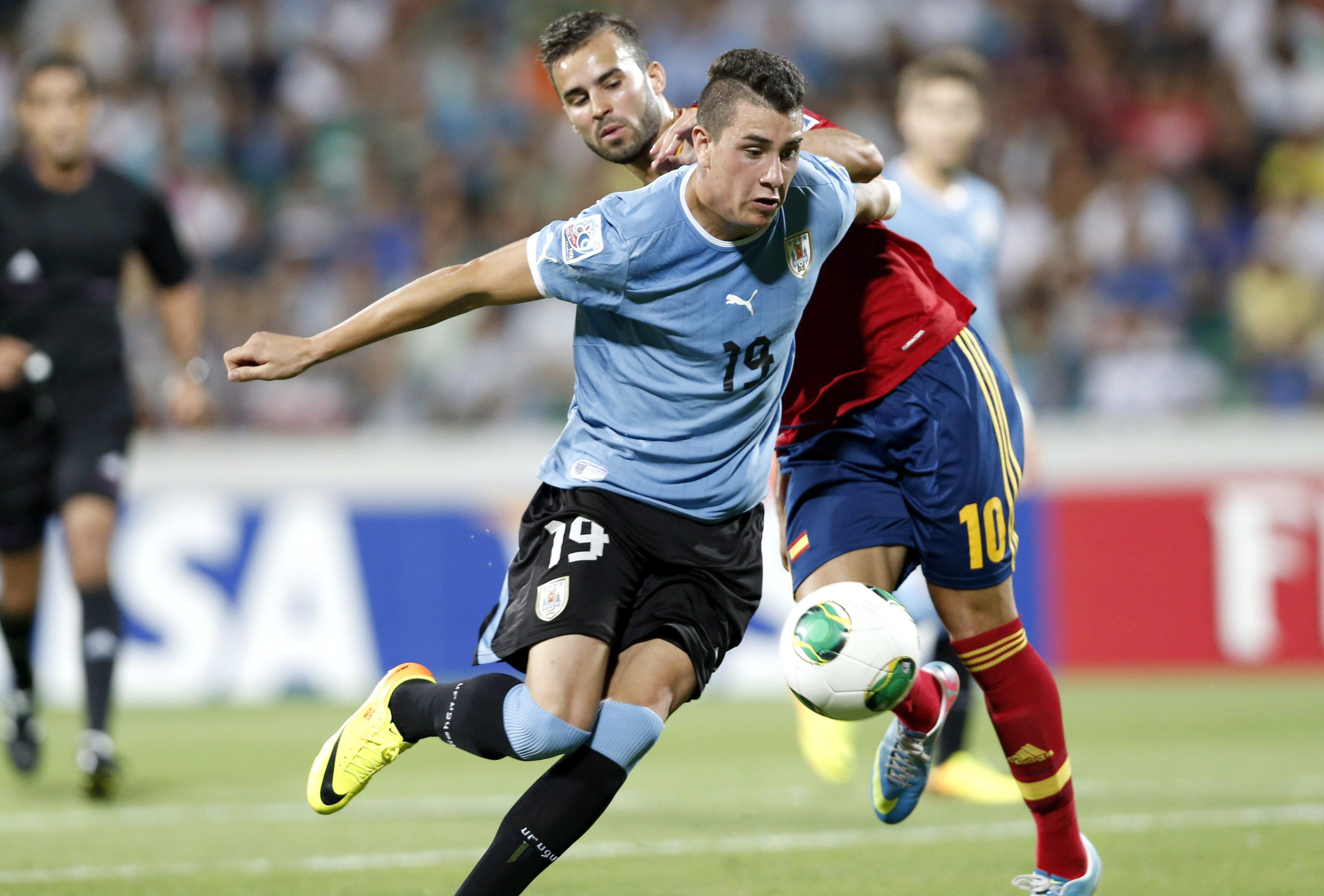 Uruguay: Gimenez pronto a sostituire Lugano contro l'Italia