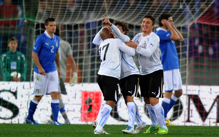 L'Italia si prepara per l'Uruguay, ma perde pezzi