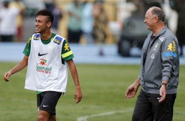Brasile: Scolari rivoluziona la squadra