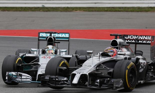 """Gp Germania, Button si scusa con Hamilton dopo la """"prova tv"""""""