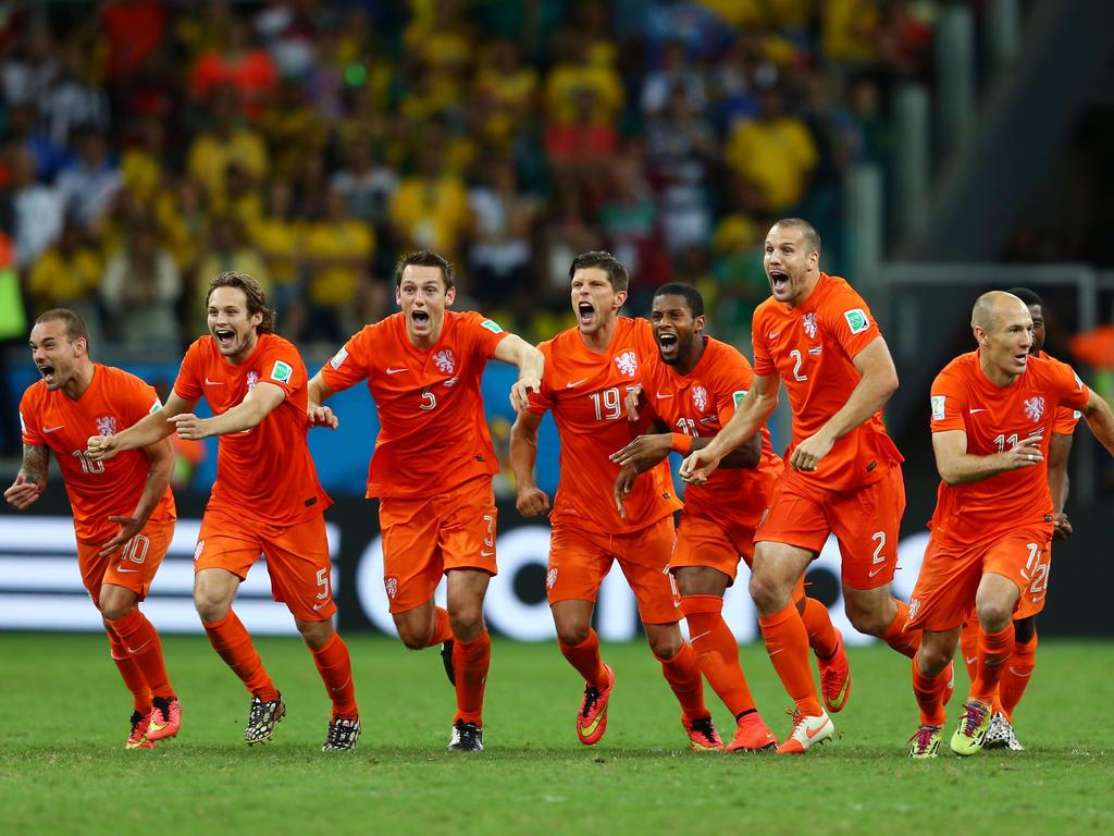 Mondiali 2014, Olanda alle semifinali, trema ma vince ai rigori contro Costa Rica