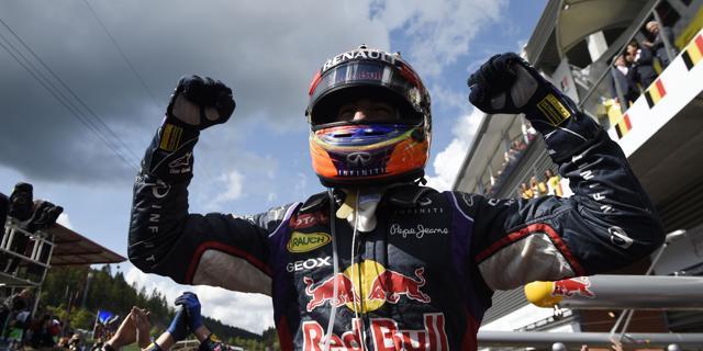 Spa, le Mercedes regalano il trionfo a Ricciardo
