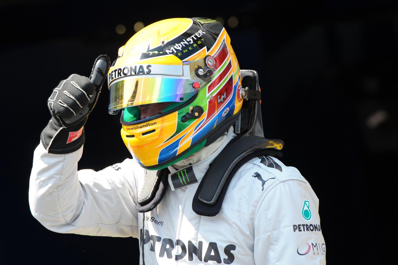 F1 gp di singapore pole di hamilton for Mercedes benz f1 drivers
