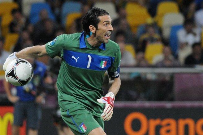 Nazionale: Antonio Conte ne convoca 27, non c'è Balotelli