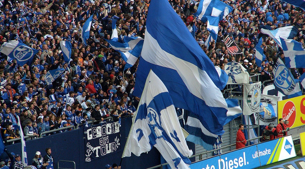 Bundesliga: lo Schalke 04 si risolleva, 3-0 al Werder