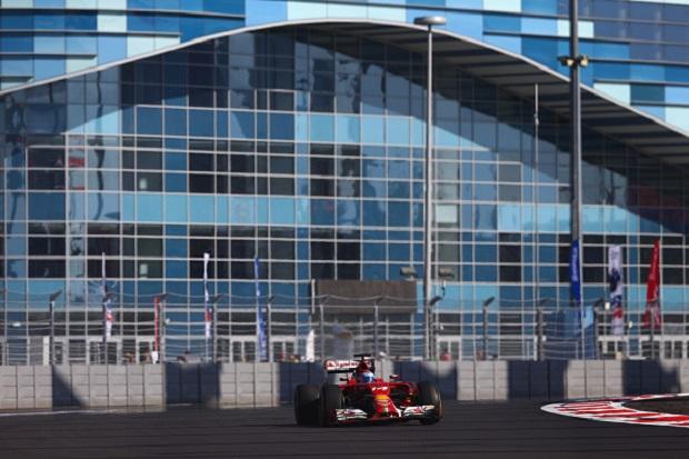 F1, prove libere a Sochi: dominio Mercedes, bene Alonso