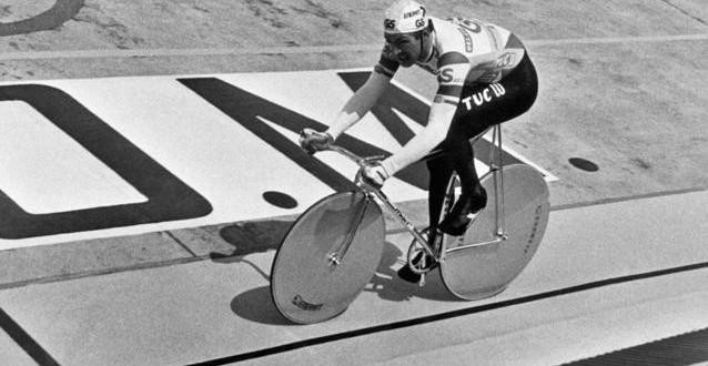 Ciclismo, Adriano Malori dice no al record dell'ora