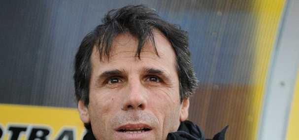 Zola si presenta al Cagliari