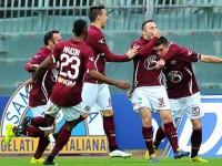 L'esultanza del Livorno dopo il 4-2
