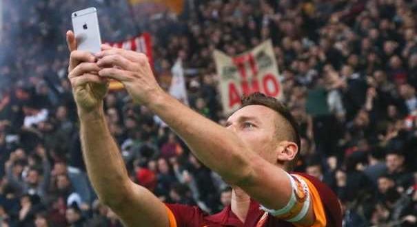 Selfie-Totti-Mania, il mondo celebra il Capitano