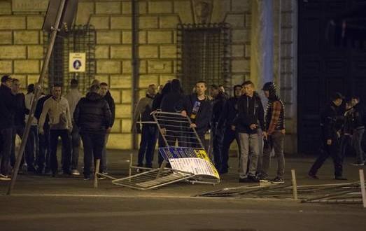 Paura hooligans a Roma, arrestati 23 tifosi olandesi