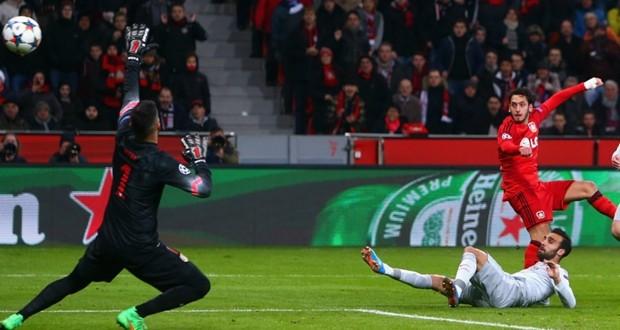 Il Bayer Leverkusen stende l'Atletico Madrid 1-0.