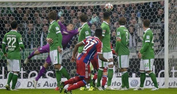 Bundesliga: il Bayern ne fa altri 4, pari Dortmund