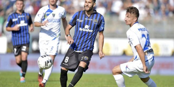 B: Frosinone-Latina si gioca il 14 aprile alle 18