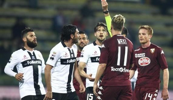 Serie A, squalifiche: Lucarelli fuori 3 turni, Inter senza Icardi