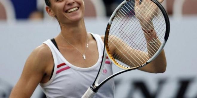 Roland Garros, Pennetta vola agli ottavi