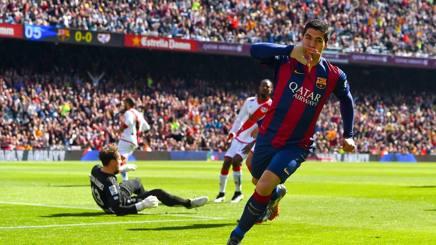 Liga, il Barca gioca a tennis e supera il Real