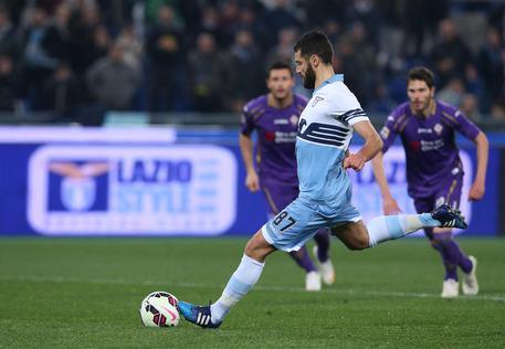 La Lazio cala il poker, Fiorentina asfaltata.