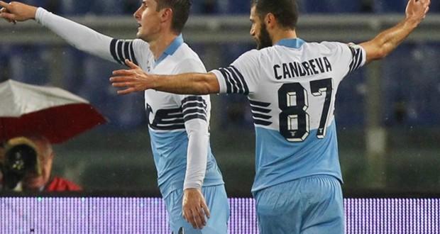 Coppa Italia : Lazio e Napoli giocano un tempo a testa.