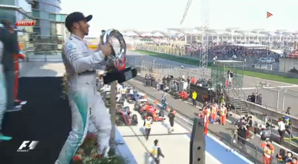 F1 GP Cina, doppietta Mercedes davanti alle Ferrari