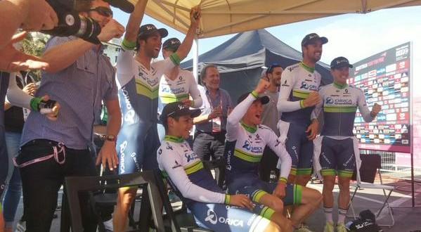 Giro d'Italia, Orica-jet: Gerrans Maglia Rosa. Bene Aru