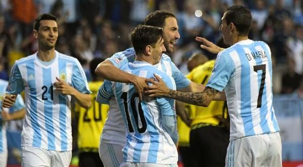 Copa America: Argentina ok, Uruguay-Paraguay pari che qualifica. Stasera la verità nel gruppo C