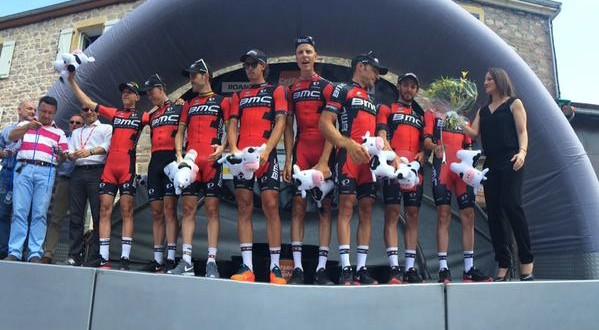 Giro del Delfinato, fulmine BMC: Dennis nuovo leader