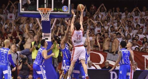 Basket, finale gara-1: Reggio Emilia schianta Sassari 82-63