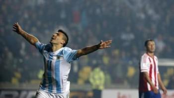 Aguero contro il Paraguay