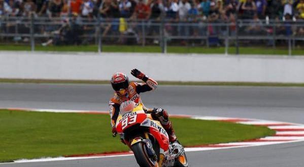 MotoGP Gran Bretagna: Marquez pole e record, Rossi quarto