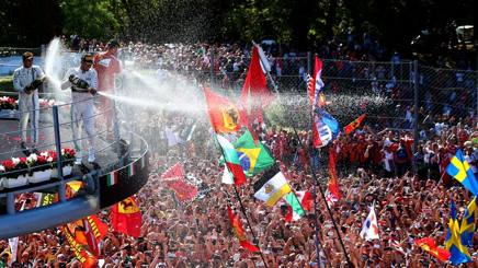 F1 GP Italia: Hamilton trionfa, Vettel subito dietro. Rosberg in fumo