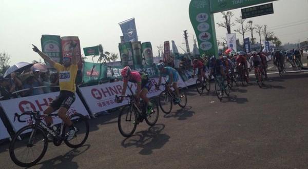 Tour of Hainan, 2^ tappa: Palini fa doppietta, battuto Modolo