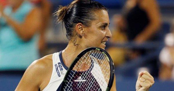 WTA Finals 2015, riscatto Pennetta: Radwanska finisce KO