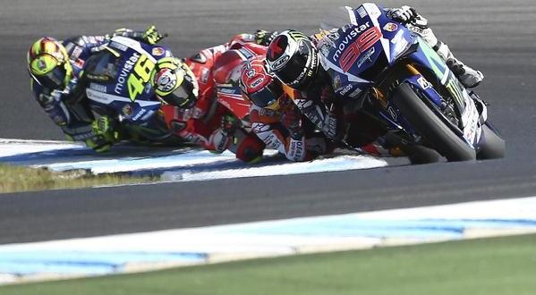 MotoGP Phillip Island, primo Marquez. Lorenzo accorcia su Rossi