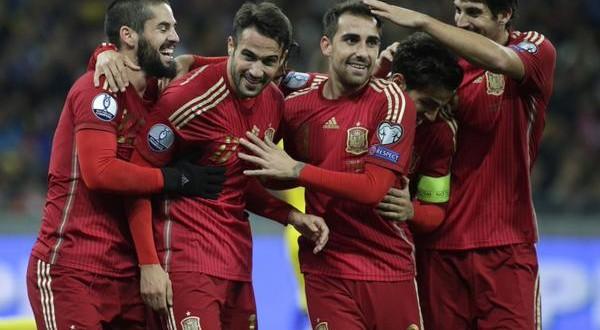 Euro 2016, l'ultima sera delle qualificazioni: ecco chi è già sull'aereo per la Francia