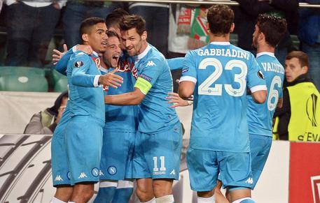 Europa League, Napoli espugna Varsavia: 2-0 al Legia