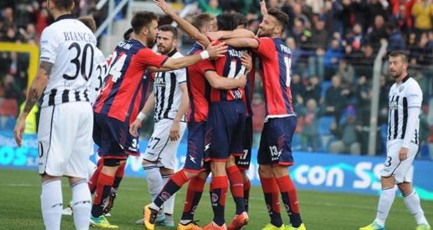 Serie B, 30ᴬ: il Cagliari frena ancora, il Crotone lo scavalca
